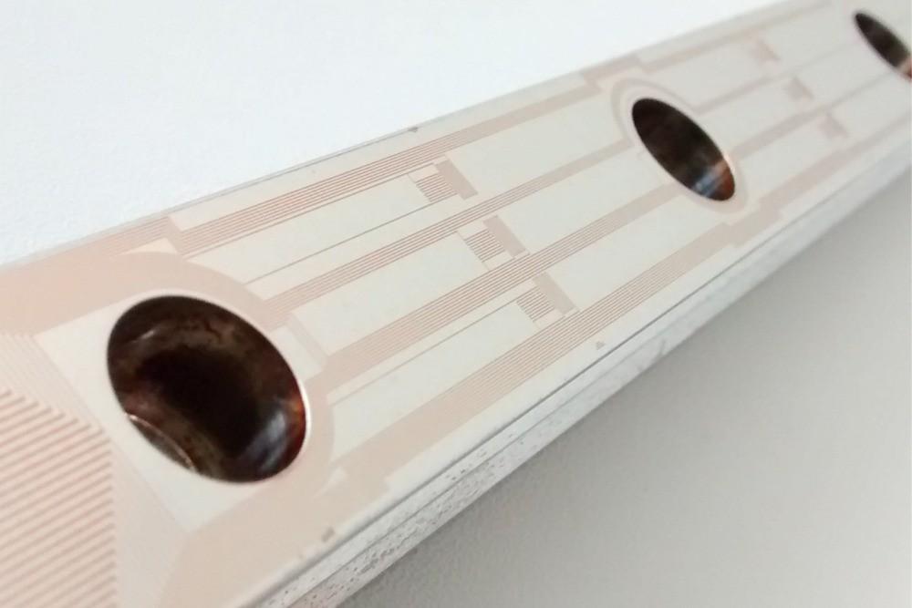 Prototypische-Linearführung-mit-sensorischer-Schicht-von-Sensosurf